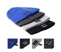 Шапка с Bluetooth-гарнитурой